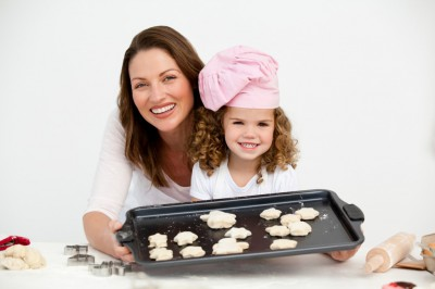 mom-and-kid-baking-1024x682